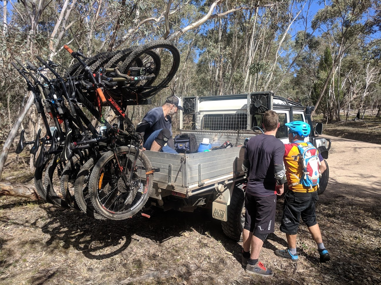 Shingleback Vertical Bike Rack | Cab Chassis Ute
