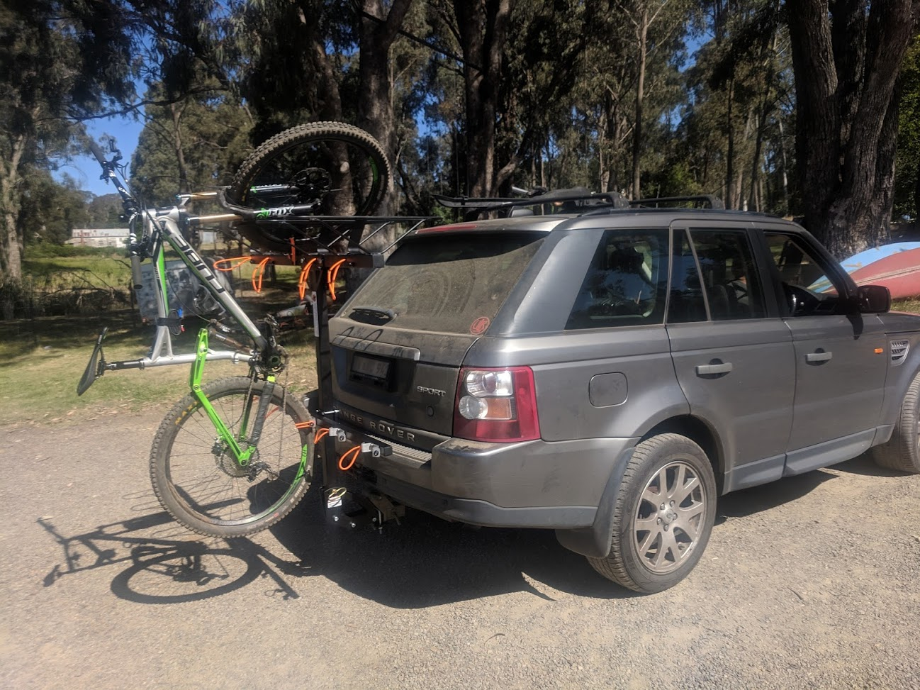 Shingleback Vertical Bike Rack | Range Rover Sport