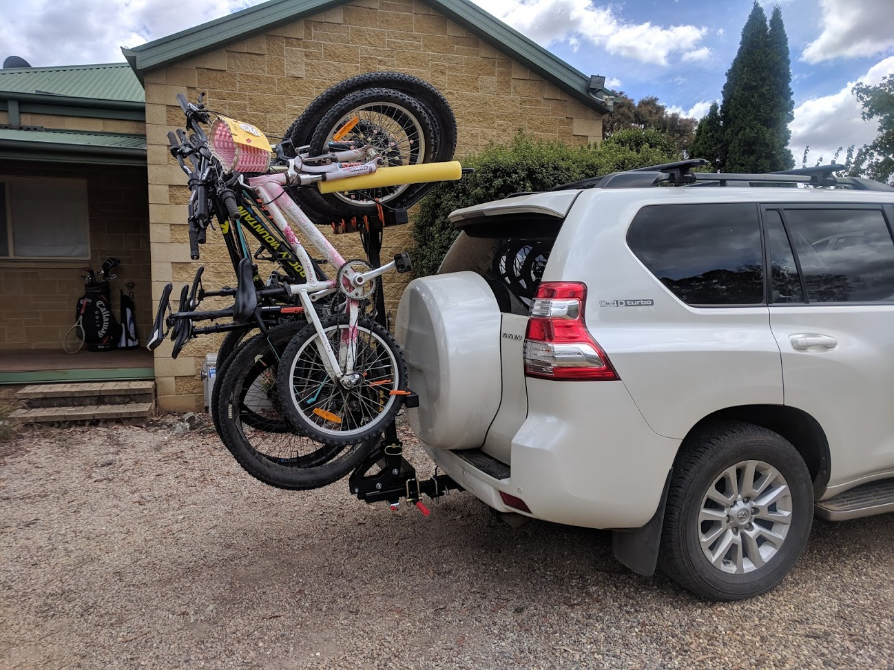 Shingleback Vertical Bike Rack | Landcruiser Prado