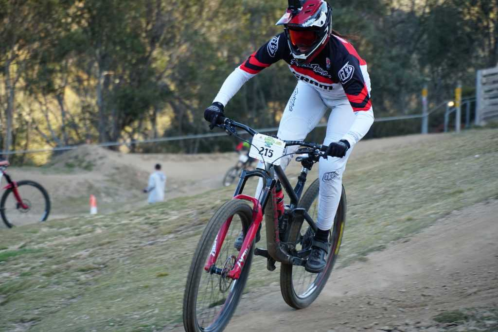 Sian A'Hern Finishing 1st in Thredbo's Chainless Race